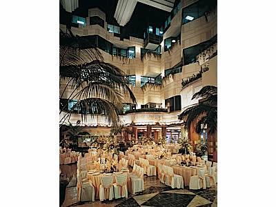 Rincon Atrium and Yank Sing Restaurant